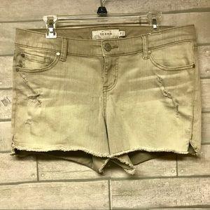 Torrid distressed jean shorts tan size 14